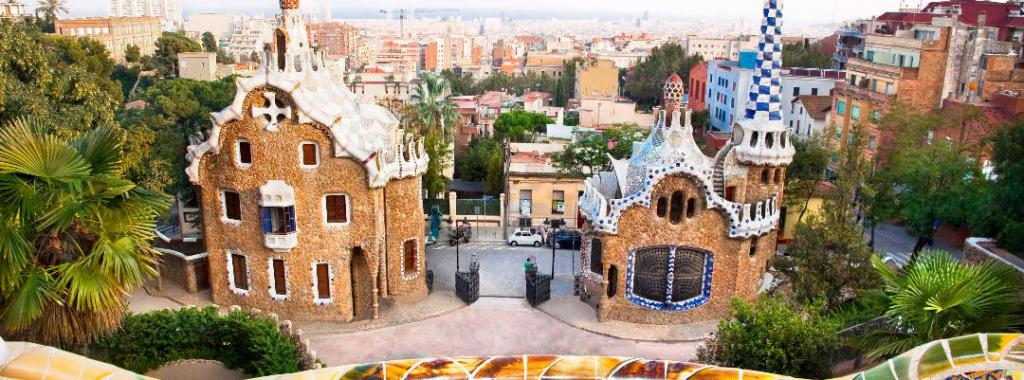 Colorful-architecture-in-Barcelona