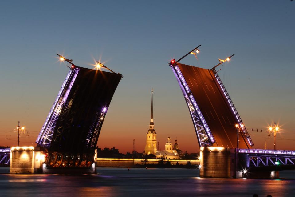 russia st petersburg bridge